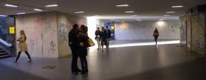 Eifert János: Csók az aluljáróban / Kiss in the Subway (Budapest, 2015)