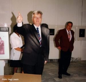 2000.04.29.-Szolnok-MONFODI-kiállítás-Losonczi-Miklós-megnyit
