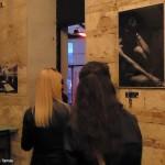 2017.04.13.-Anker't-romkocsma_Darab-Dénes-fotókiállítása-01_Bárdos-Tamás-felvétele