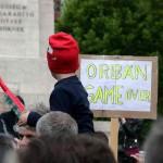 2017.04.15.-Kossuth-téri-tüntetés egyik tábláján: Orbán game over (Eifert János felvétele)