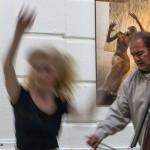 2017.05.05.-Aranytíz-Átrium-Galéria-Lőrinc-Kati-táncol-Lőrinczy-Attila-bögőzik_Csörögi-Dóra-felvétele