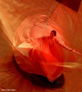 2017.06.10.-Iparművészeti-Múzeum-Szerpentintánc - Hommage a Loie Fuller  (Eifert János felvétele)