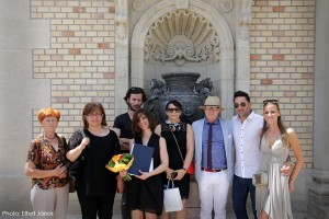 2017.06.30.-Várkert-Bazár-Diplomaátadó-ünnepség-után-Készül-a-csoportkép-06