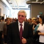2014.03.30.-Almási-István-polgármester a Koszta József gyűjteményes kiállításon (Eifert János felvétele)